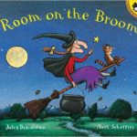 ハロウィンにはまずは定番のこの1冊を♪「Room on the Broom」